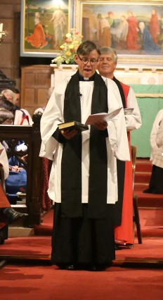 Harry makes oath to Queen, obligation to CofE to serve community (2)